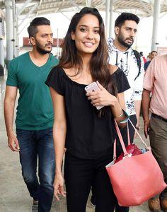 Riteish Deshmukh, Lisa Haydon and Abhishek Bachchan at the Mumbai airport. #Bollywood #Fashion #Style #Beauty #Hot #Sexy