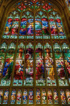 St. Mary's Cathedral Basilica in Covington, Kentucky ~ by Sean Sebastian, via Flickr