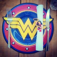 Souplat #mulhermaravilha #wonderwoman disponível no www.elo7.com.br/donacoruja Www.facebook.com/sitedonacoruja #geek #geekdecor…