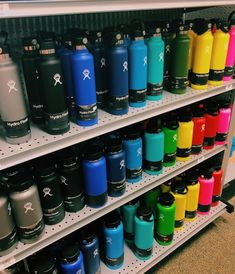 VSCO Girl refers to a specific aesthetic embraced by people who utilize the VSCO image modifying application. The aesthetic is primarily explained. Water Bottle Art, Cute Water Bottles, Best Water Bottle, Planet Colors, Vsco, Hydro Flask Water Bottle, Aesthetic Pictures, Wallpaper, Japanese