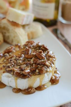 Looking for Fast & Easy Appetizer Recipes, New Years Recipes, Snack Recipes! Recipechart has over free recipes for you to browse. Find more recipes like Maple Pecan Baked Brie. No Cook Appetizers, Appetizer Dishes, Appetizer Recipes, Delicious Appetizers, Avacado Appetizers, Prociutto Appetizers, Party Recipes, Mexican Appetizers, Cheese Appetizers