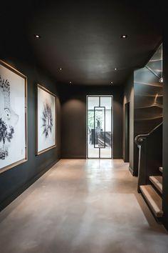 Villa jaren 30 in Hilversum - Villa jaren 30 in Hilversum - Home Interior Design, Interior Architecture, Interior And Exterior, Villa Design, House Design, Flur Design, Dark Interiors, Hallway Decorating, Decorating Ideas