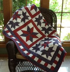 Patriotic Red White and Blue American Star Quilt by HaynesQuilting