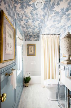 2b4940862688 My Notting Hill  Bathroom Wallpaper - the best! Bathroom Designs