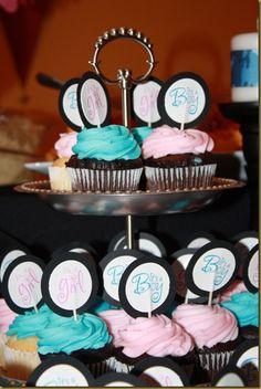 cute gender reveal cupcakes!