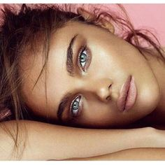 Absolutely flawless,bronzed bridal makeup look. Love the soft colors and nude pink lip. Such a great look for summer. Model #nataliavodianova #beautyandthevow #summerwedding #summerbride #bridalmakeup #flawlessmakeup #bronzedbride #pinklips #natural