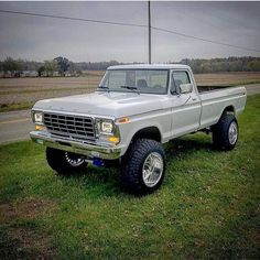 ford explorer off road Old Pickup Trucks, Lifted Ford Trucks, Diesel Trucks, Chevy Trucks, Dually Trucks, Ford Diesel, Lifted Cars, Truck Drivers, Lifted Chevy