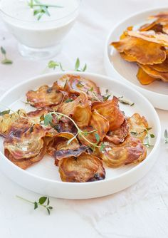 Beetroot chips with thyme and sea salt. Beetroot, Raw Food Recipes, Shrimp, Chips, Appetizers, Vegan, Kitchen, Sea Salt, Diabetes