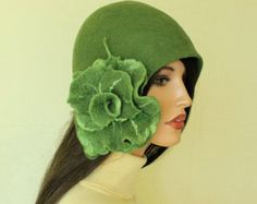 Avocado color hat Green hat Felted hat with brooch  cap Felt hat 1920s hat Gatsby style hat Merino wool Retro hat Retro cap
