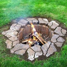 One thing you can give to your backyard is a fire pit. Almost everyone loves to have a fire pit in their backyard. A fire pit will add warmth Cheap Outdoor Fire Pit, Cheap Fire Pit, Easy Fire Pit, Cool Fire Pits, Pergola Diy, Pergola Ideas, Firepit Ideas, Backyard Ideas, Outdoor Ideas