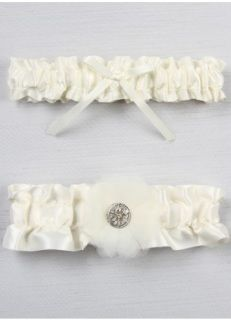This airy organza flower garter set has layered petals, creating depth and elegance. The flower is adorned with a delicate round rhinestone button.    Available in white or ivory