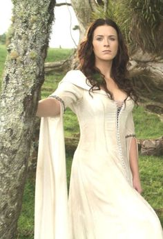 legend of the seeker costume confessor