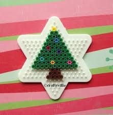 A small Christmas Tree for those who don't like to make huge things or supplies are limited.