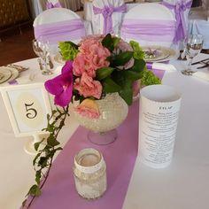 Esküvői menü - Vintage. Gyere és válogass a több mint 500 csodálatos egyedi esküvői kellék közül. Mennyiségi kedvezményekkel várunk. MerciDekor.hu Inspirációs képeink segítenek a Te stílusod megtalálásában. Gyere és hívj: Tel: 30/385-4688 Ingyenes tanácsadással várunk! - Esküvői menü - Vintage Vase, Table Decorations, Vintage, Home Decor, Decoration Home, Room Decor, Vintage Comics, Vases, Home Interior Design