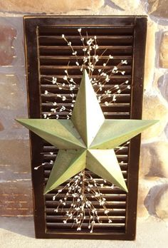 ~ cute decor.. Would make the star a different color though... Wonder what this would look like with saloon doors?