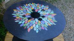 Un touret, des idées, et hop ! Une table d'appoint pas chère et customisée ^^