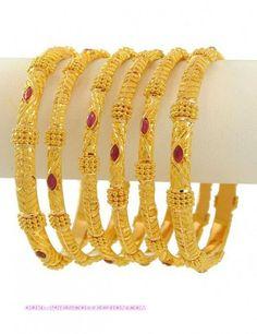 Emoo Fashion: Latest Fashion Gold Bangles Designs for Bridals Bracelets Design, Gold Bangles Design, Gold Jewellery Design, Designer Bangles, Designer Jewellery, The Bangles, Ruby Bangles, Gold Gold, Gold Set