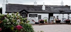 We arrive at gretna green in true style, ready to renew our wedding vows. #PANDORAvalentinescontest