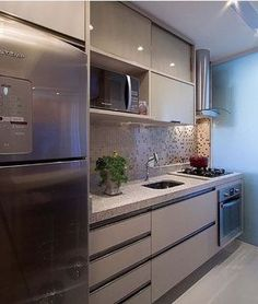 Meu sonho de consumo essa cozinha #decor #decora #decoração #decorando #decoration #desing #detalhes #details #apartamento #apartamentopequeno #apartamentodecorado #cozinha #cozinhapequena #cozinhadecorada #cozinhaamericana #casanova #clean #home #homedesign #homedecoration #inspiração #inspiration #interiordesign