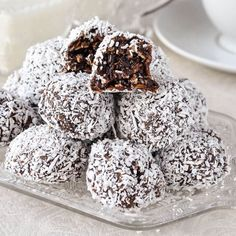 Easy Fudgy No Bake Chocolate Snowballs a. Soft chocolate fudge balls with the goodness of oatmeal and coconut. Rock Recipes, Sweets Recipes, Candy Recipes, Baking Recipes, Cookie Recipes, Game Recipes, Coconut Recipes, Holiday Baking, Christmas Baking