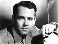 Henry Jaynes Fonda (* 16 de mayo de 1905, Grand Island, Nebraska – † 12 de agosto de 1982, Los Ángeles, California) fue un actor de cine y teatro estadounidense, ganador de los premios Óscar, Globo de Oro, BAFTA y Tony. En 1999, Henry Fonda fue nombrada por el American Film Institute como la sexta mayor estrella masculina en la historia de Hollywood.