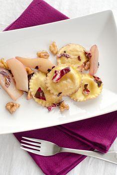 Ravioli mit Birnen-Walnuss-Butter. Radicchio, Birnen, Walnüsse - einfach Herbstlich.