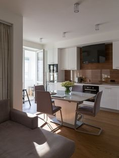 Две комнаты, светлый интерьер истеклянная перегородка между спальней и гостиной Brown Decor, Kitchen Trends, Kitchen Design, Studio, Interior, Table, Furniture, Home Decor, Beige