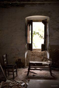 lugares abandonados by lucia meler maura, via Flickr
