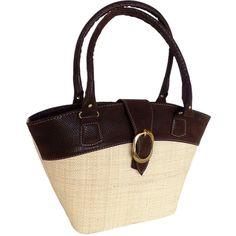 Até 30% de desconto 😍👍 BOLSA EM PALHA DE BURITI E COURO ALTERNATIVO COM FIVELA - CRUA // De: 149,90 POR R$ 107,26 à vista ou até 10 X sem juros. // Produto artesanal, totalmente feito à mão. // pode adquirir em http://www.bordadosdoceara.com.br/produtos/acessorios-femininos/bolsas-de-palha/bolsa-em-palha-de-buriti-e-couro-alternativo-com-fivela-crua-detail.html // WhatsApp 85 98959.9107