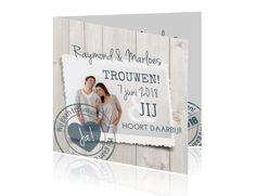 Moderne trouwkaart met stijgerhout, foto en stempel