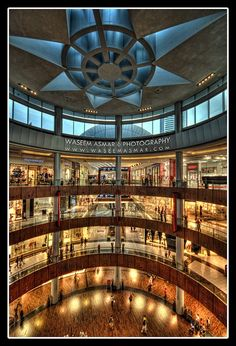 Loved the shopping here. Places like these are the ones seducing women: to spend money and time and youth there. #dubai #uae