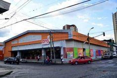 La primera tienda de ara se abrió el 13 de marzo de 2013 en la carrera 12 con calle 21, en el centro de Pereira. Ese mismo día se inauguró su almacén de distribución ubicado en el sector de Corales.