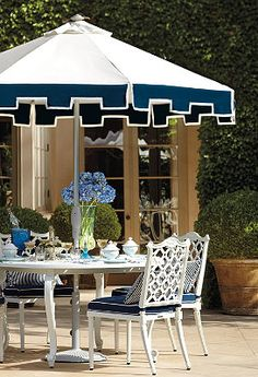 Garden Dining in navy and white - I especially love the umbrella