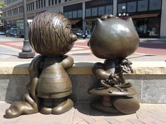 Linus & Sally - pictures of bronze statues in Rice Park, St. Paul, MN