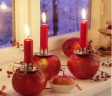 Fabulous Thanksgiving Decorating Ideas with Apples and Candles Centerpieces apples.lovely candle centerpieces or table decorapples.lovely candle centerpieces or table decor Apple Decorations, Harvest Decorations, Christmas Decorations To Make, Thanksgiving Decorations, Winter Decorations, Noel Christmas, Christmas Candles, Winter Christmas, Fall Winter