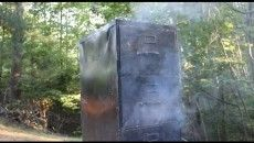 How to build a meat smoker from a file cabinet Great Videos, Diy Videos, Survival Prepping, Survival Skills, Fish Smoker, Build A Smoker, Mesquite Wood, Homemade Smoker, Primitive Survival
