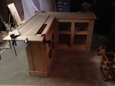 home oak bar - Chicago bar rail clamped in place Home Bar Plans, Basement Bar Plans, Basement Bar Designs, Basement Remodel Diy, Home Bar Designs, Basement Ideas, Diy Home Bar, Diy Bar, Bars For Home