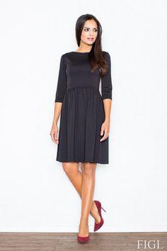 Czarna sukienka z rozszerzanym dołem