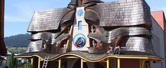 Orloj Stará Bystrica Słowacki zegar astronomiczny w Starej Bystrzycy w regionie Kysuce jest zarazem jedynym na świecie, który wskazuje tzw. rzeczywisty czas słoneczny!