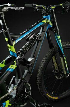 Bergamont Straitline MTB 2015 on Behance Mtb Enduro, Freeride Mtb, Mt Bike, Bmx Bicycle, Velo Design, Bicycle Design, Mtb Helm, E Mountain Bike, Giant Bikes