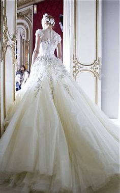 Princess Wedding Dresses : George Hobeika