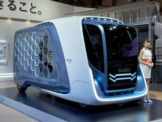 The Isuzu FD-SI is a study of a futuristic commercial vehicles for a delivery network with a distinctive honeycomb-designed exterior. Future Transportation, Futuristic Cars, Futuristic Vehicles, Future Trucks, Bmw Series, Cute Posts, Commercial Vehicle, Ford Gt, Automotive Design