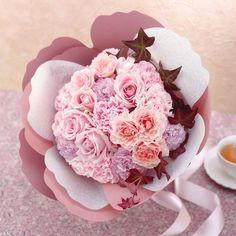 カーネーションの形をした花束「ペタロ・カーネーションペルル」