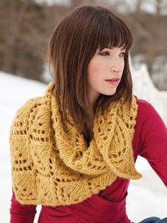 Aude | Berroco << Triangle lace shawl in heavyweight yarn #knitting #worstedweight #aranweight