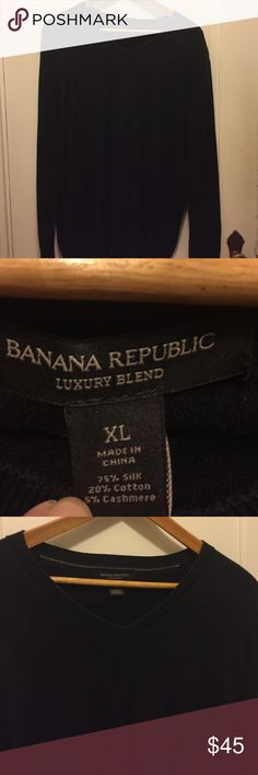🔸Banana Republic Men's Gorgeous, worn once (my fiancé is allergic to fabric) silk/cotton/cashmere.  In beautiful condition. Banana Republic Sweaters V-Neck
