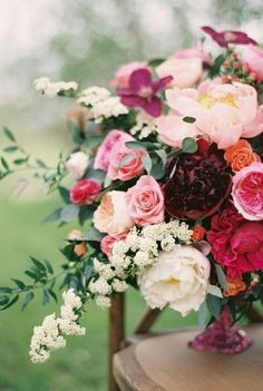 Wedding Themes Teal - - - - Wedding Decorations On A Budget - Burgundy Wedding Bouquet Burgundy Wedding Flowers, Floral Wedding, Trendy Wedding, Burgundy Bouquet, Fall Wedding, Pink And Burgundy Wedding, Burgundy Bridesmaid, Bridesmaid Dresses, Bridesmaid Flowers