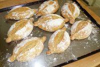 Portuguese Bread Recipes: Papo Secos (Crusty Rolls) recipe and technique