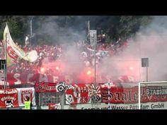 Pyro im Halle-Fanblock vor dem Spiel des SV Babelsberg 03 - Hallescher FC.