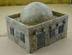 Sold as seen. Figures just for the scale. Unpainted. desert house - cupola. Perfect for warhammer 40k or other 28 mm wargames. Maked with resin (pla). The colour can be different.