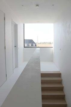 Eengezinswoning - Avelgem - ABS Bouwteam - Sint-Denijs-Westrem Luxury Interior Design, Interior Architecture, Interior And Exterior, Narrow House, Modern Stairs, House Stairs, Villa Design, Tiny House Design, Future House